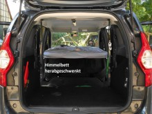 Dacia Lodgy, Autohimmelbett herabgeschwenkt